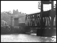 20031009091627 bw railroad bridge (39686347).jpg